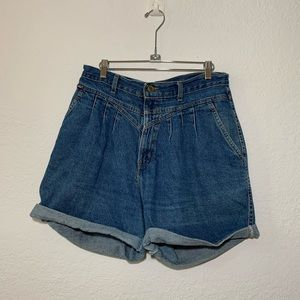 VTG Chic High Waist Mom Jeans Front Pleated Shorts